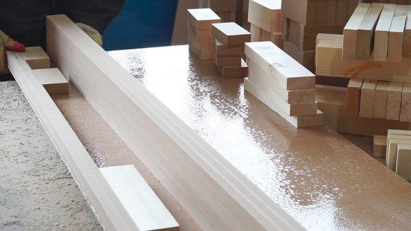 spazzole per il trattamento delle superfici in metallo o in legno