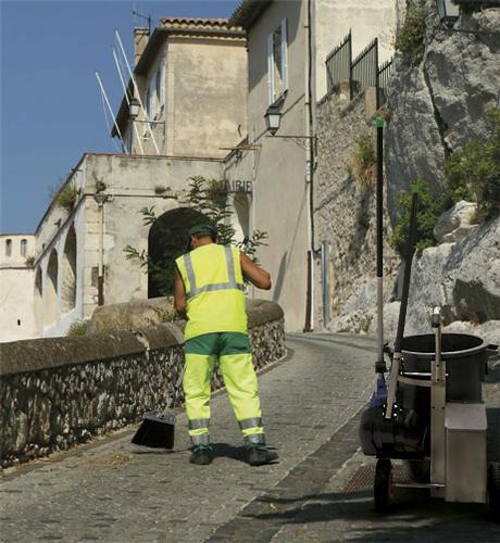 scopa professionale per operatori ecologici